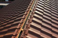 Dacheindeckung und Sanierung mit Ziegel und Betondachsteinen